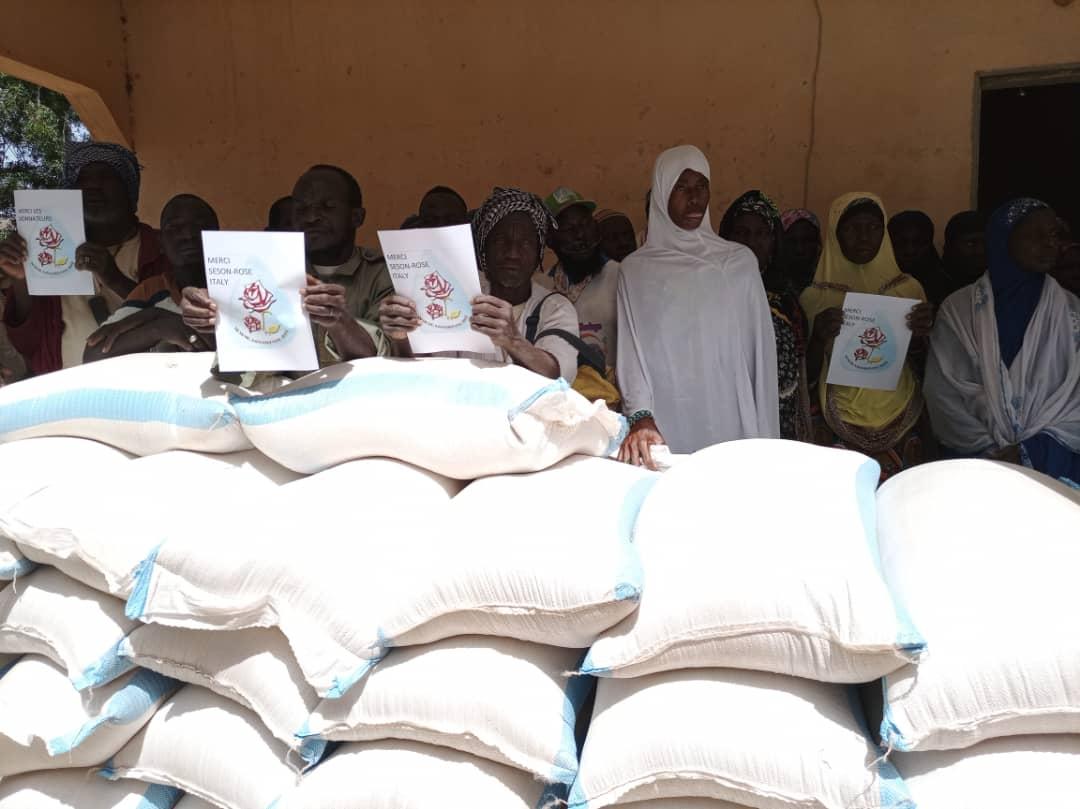 Aiuti alimentari per le popolazioni Dogon